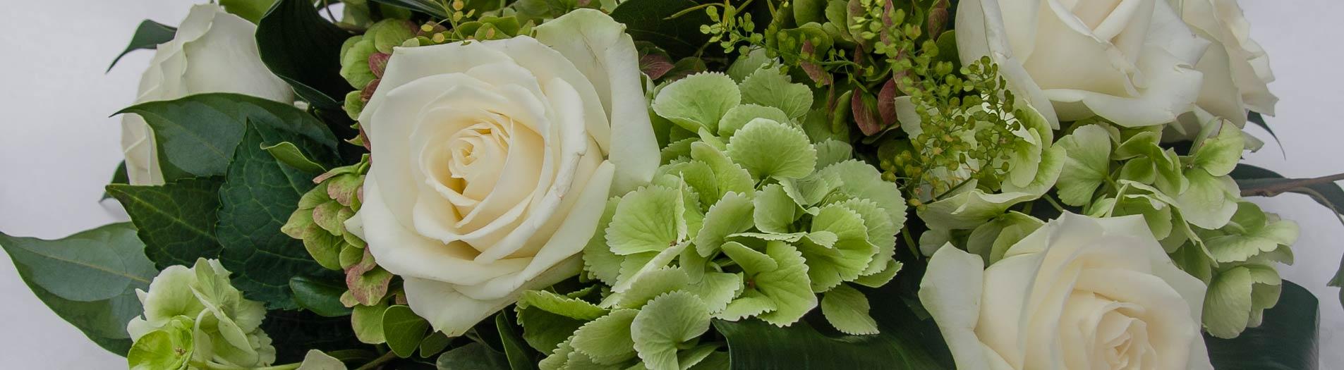 Matrimonio Tema Ortensie : Abbobbi floreali centrotavola e bouquet a tema bianco verde