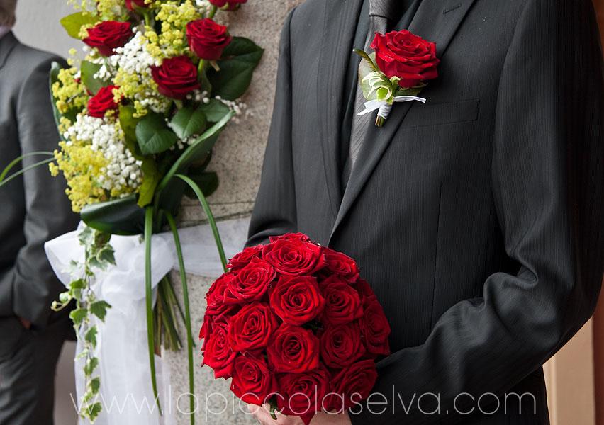 bouquet con rose rosse