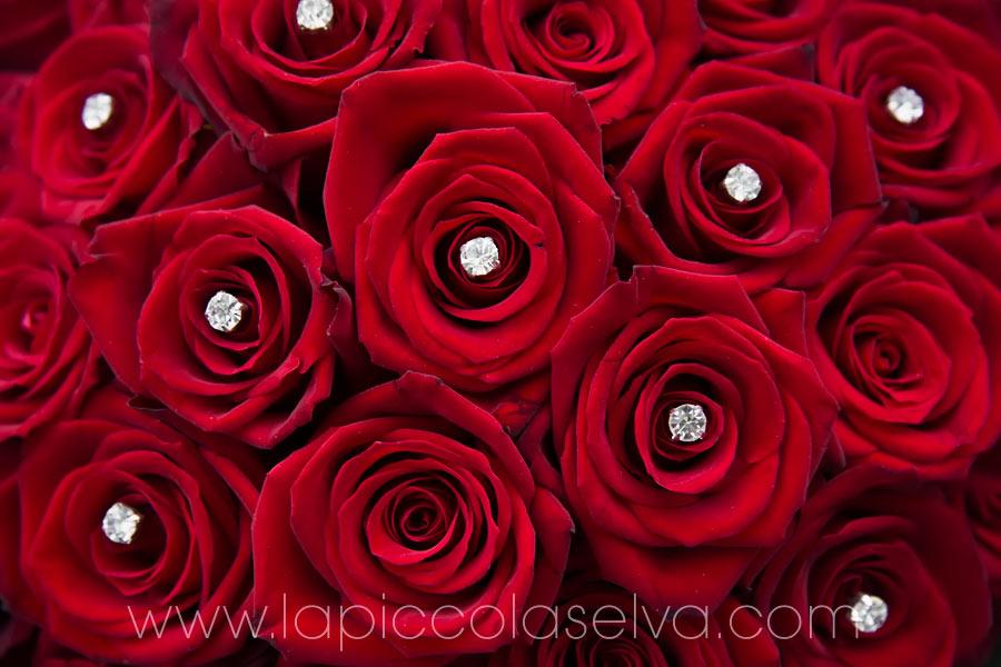 matrimonio con rose rosse