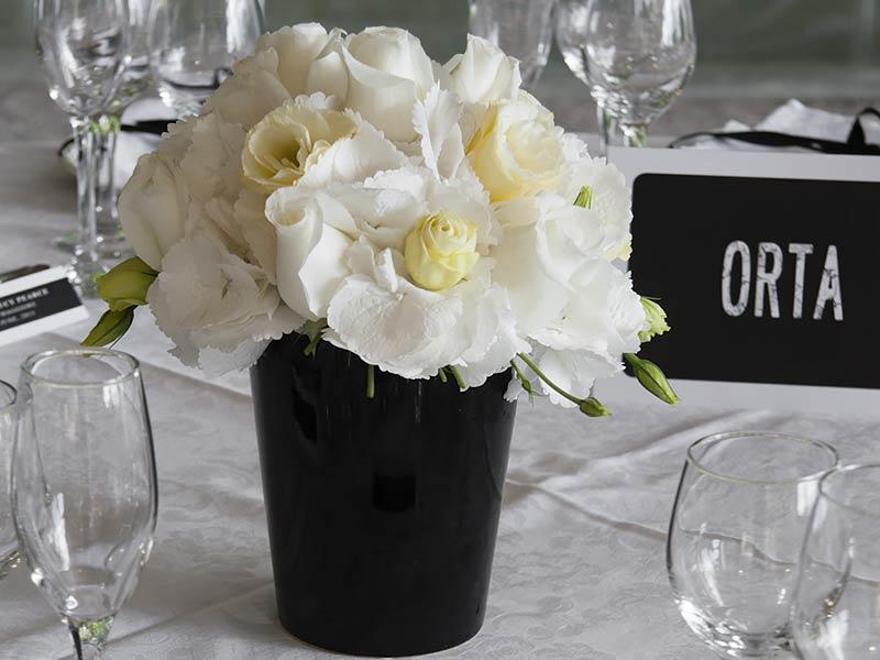 Matrimonio In Bianco : Fiori per matrimonio in bianco e nero a villa rusconi