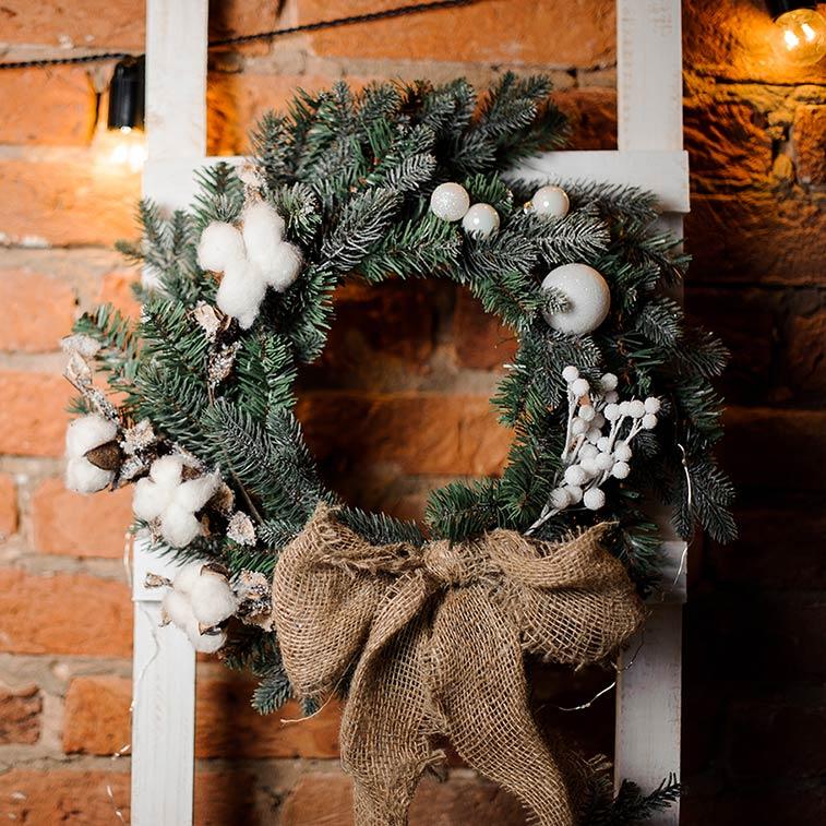 Ghirlanda natalizia con cotone