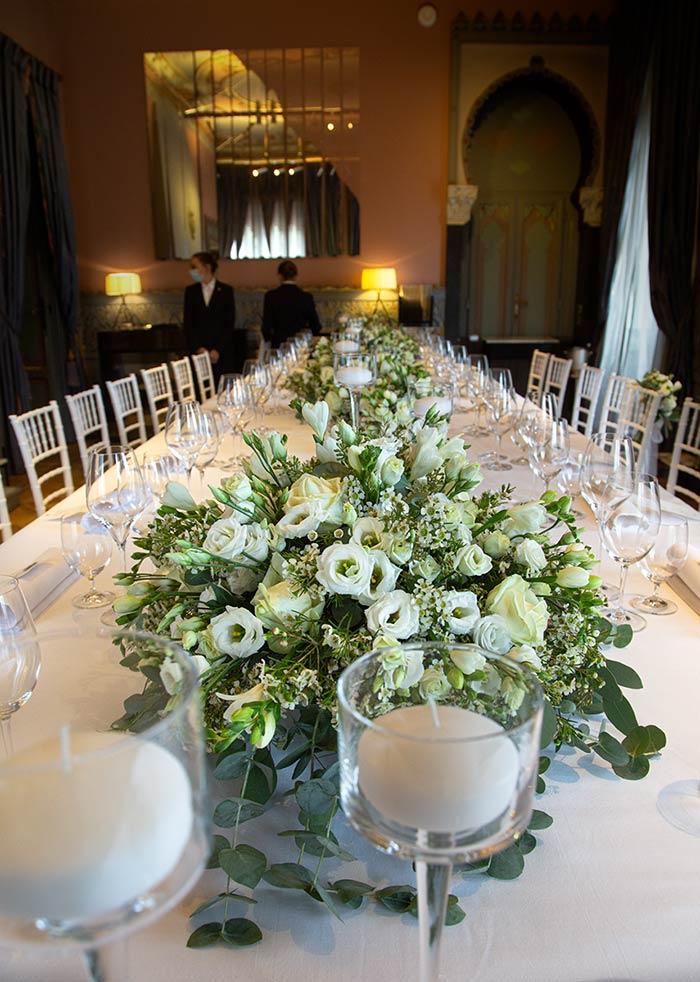 Allestimento tavolo imperiale - Villa Crespi, lago d'Orta
