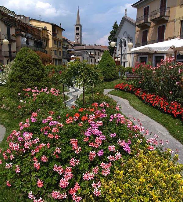 Omegna in fiore, allestimento floreale 2007