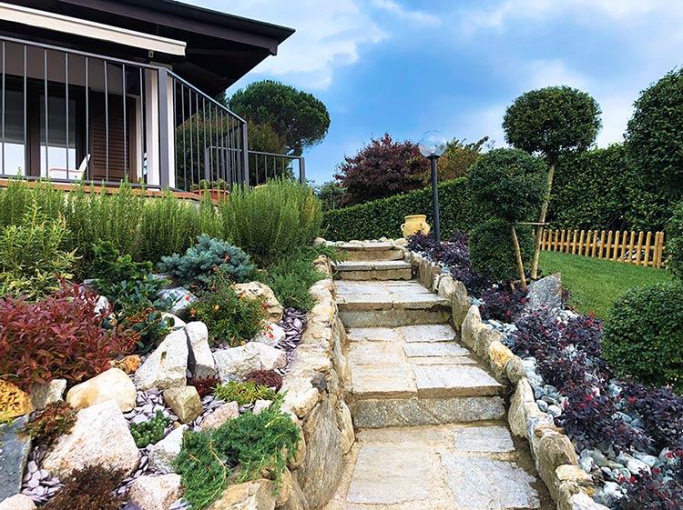 Realizzazione giardino roccioso a Pettenasco