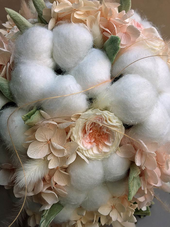 Bouquet invernale con cotone: dettagli
