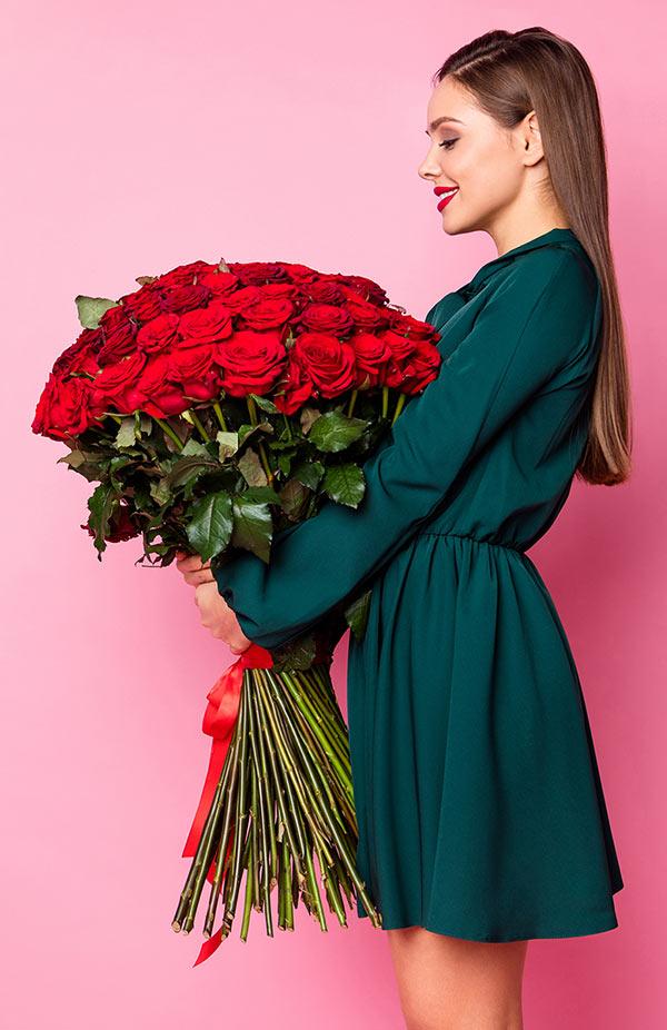Bouquet con 100 rose rosse