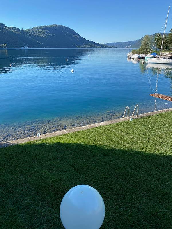 Posa tappeto erboso al Lago d'Orta